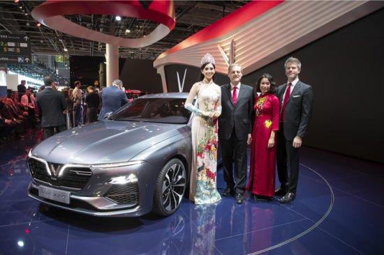 Първият в историята на Виетнам масов производител на автомобили- VINFAST, показа първите