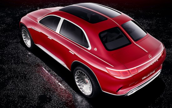 От Mercedes-Maybach определят своята продукция като ексклузивен лукс, максимален комфорт и върхови
