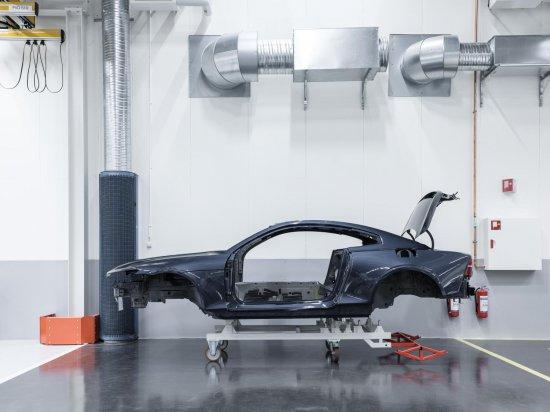 Новият производител на луксозни електрифицирани автомобили POLESTAR, който е част от гиганта