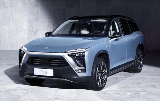 Съвсем пресният SUV NIO ES8, дело на китайски стартъп, тръгна в