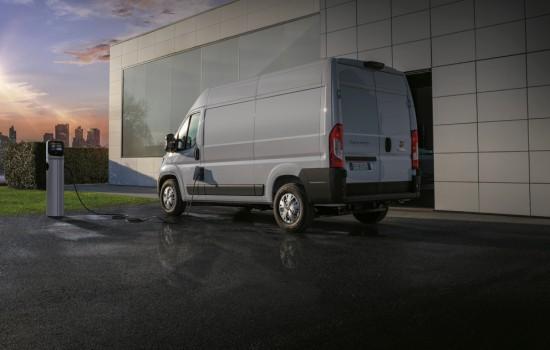 Лекотоварното подразделение на Fiat- Fiat Professional, обяви, че компанията вече приема заявки