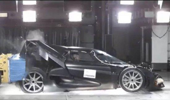 Шведската компания Koenigsegg е известна със супер-хипер моделите си, последният от които