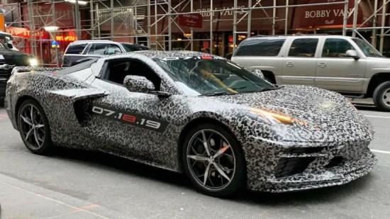 Снимка: Corvette революция - двигателят в средата! - видео
