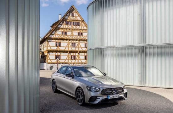 Mercedes-Benz повдига нивото на Е-класата си с нова технология на моделните