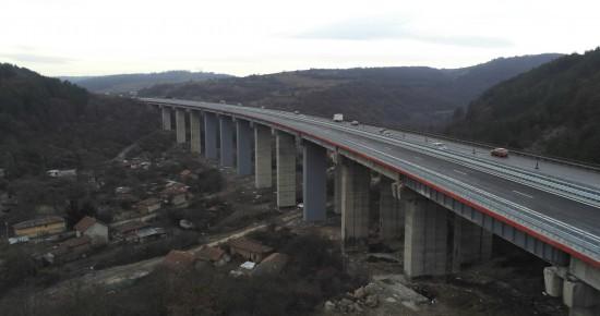 """През 2019 г. са ремонтирани 10 големи съоръжения на автомагистралите """"Тракия и"""