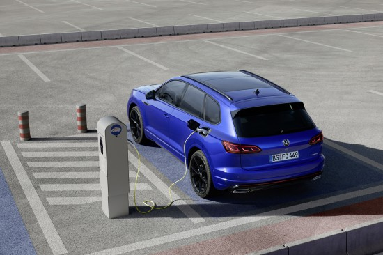 Основни моменти Touareg R – plug-in хибридният модел на Volkswagen R съчетава