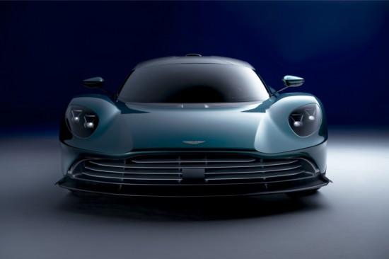 Aston Martin разпространи нови подробности за финалната версия на хибридната си суперкола