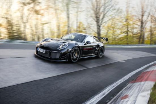 Porsche обяви, че оборудвана с допълнителен тунинг пакет версия на 911