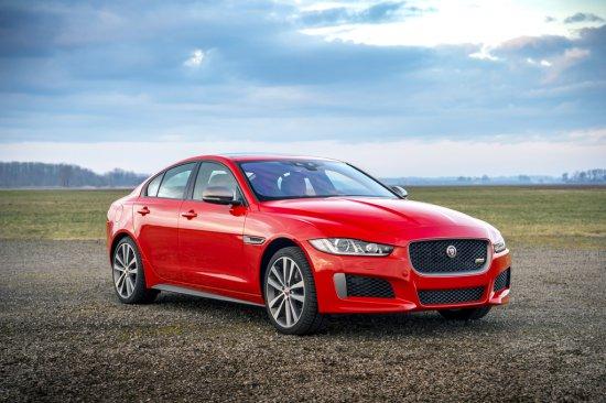 Jaguar лансира две специални издания като част от гамата спортни седани