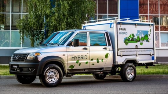 Снимка: Хибридният УАЗ Профи е доста по-пъргав и икономичен