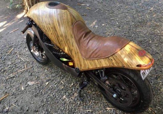 """Компанията Meep от Филипините е построила """"бамбуков"""" електрически мотоциклет с име Green"""