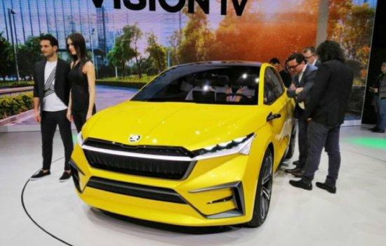 Автомобилната мода днес е електромобили и кросовъри, но става още по-интересна, когато