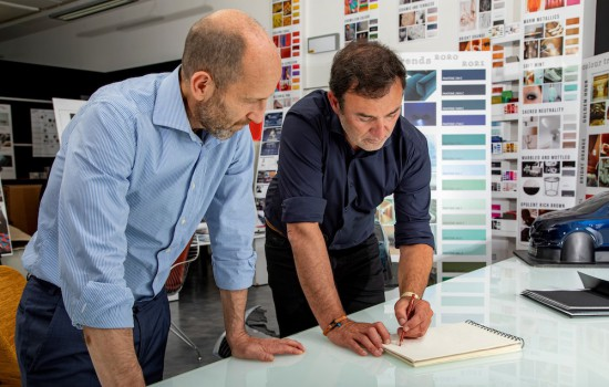 Жан-Пиер Плуе- шеф-дизайнер* на автомобилния гигант Stellantis, ще бъде човекът, който лично