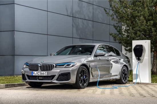 Върхов модел сред Plug-in хибридите на новото BMW Серия 5 с