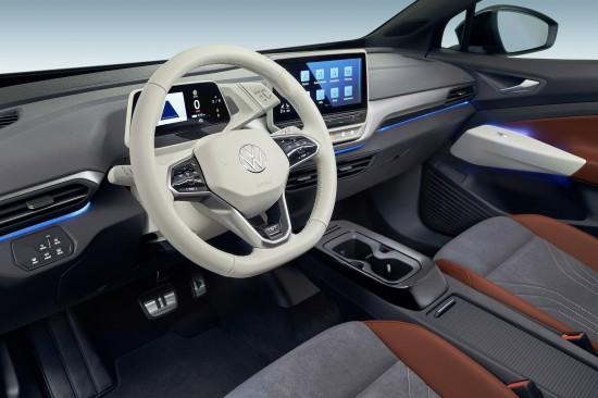 Дигитализацията в новите автомобили настъпва все по-уверено и макар, че носи известни
