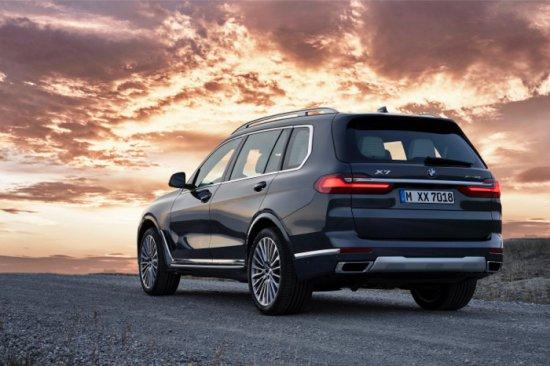 Първото BMW X7 комбинира максималното присъствие, ексклузивността и пространствения комфорт на модел