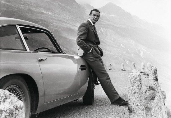 Aston Martin обяви, че съвместно с EON Productions- компанията отговорна за
