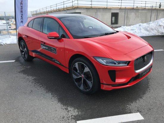 Jaguar официално показа и даде въэзможност на избрани автомобилни журналисти от Европа