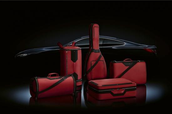 BMW Group продължава успешното си сътрудничество с Montblanc, като този път предлага
