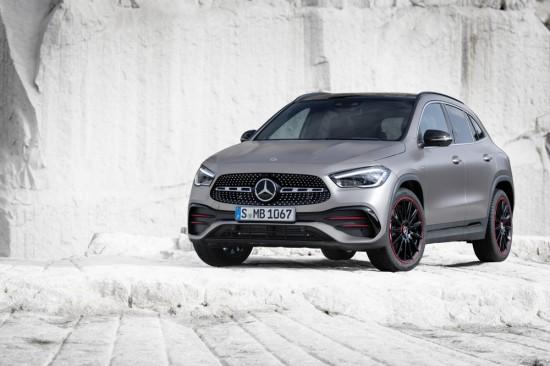 Снимка: Новият Mercedes-Benz GLA: добавен характер, допълнително пространство, допълнителна безопасност