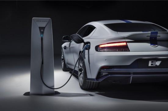 Снимка: Aston Martin приема заявки за електромобила Rapide E
