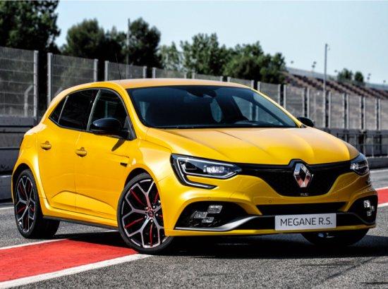 Днес Renault разкри подробности за новата екстремна версия TROPHY на новия