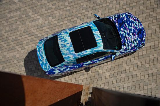 Впечатляващо маскираните предсерийни автомобили подсказват с QR код за собствената си уебстраница
