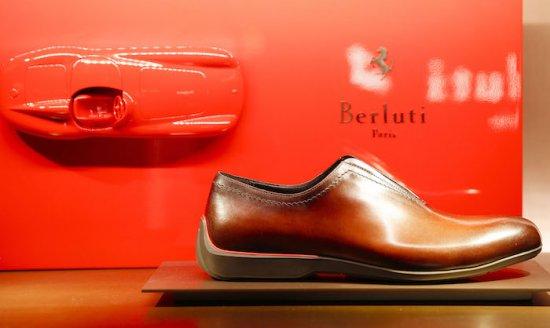 FERRARI обяви, че в сътрудничество със специалиста в областта на кожените обувки