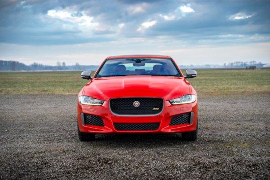 Днес Jaguar разпространи информация за новото модификационно попълнение в семейството на модела