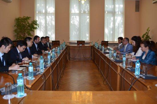 Източник: Зам.-министър Велик Занчев се срещна с представители на най-големия производител на