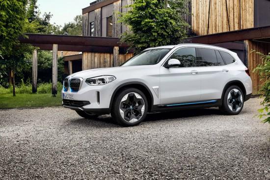 BMW разпространи първите подробности за първото по рода си изцяло електрическо пазарно