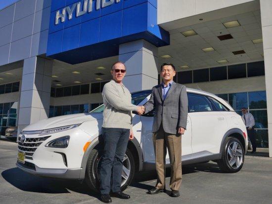 Снимка: Hyundai с първа доставка на водородното NEXO в САЩ