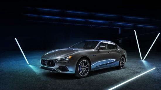 • Първият хибриден автомобил в историята на Maserati • Разработен от Лабораторията