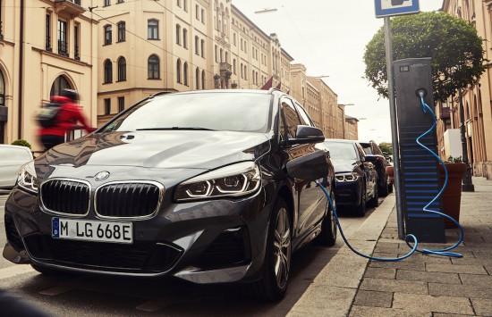 Plug-in хибриден вариант на всестранния автомобил за града вече с най-актуална технология
