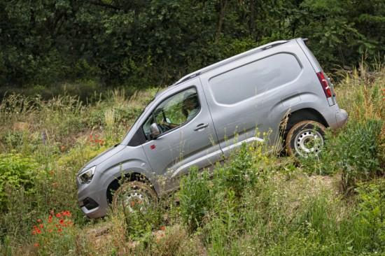 Новият Opel Combo Cargo стана офроудър с задвижване на четирите колела. Търговците,